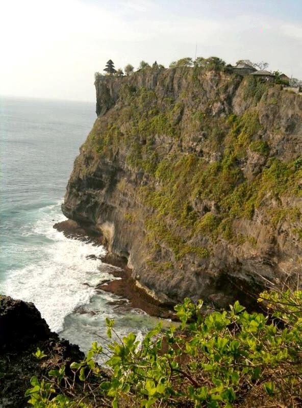 Uluwatu is an amazing tourist attraction in Bali Indonesia ~ Bali ...