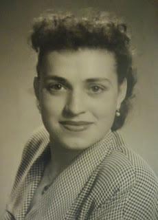 1950s fashion and beauty