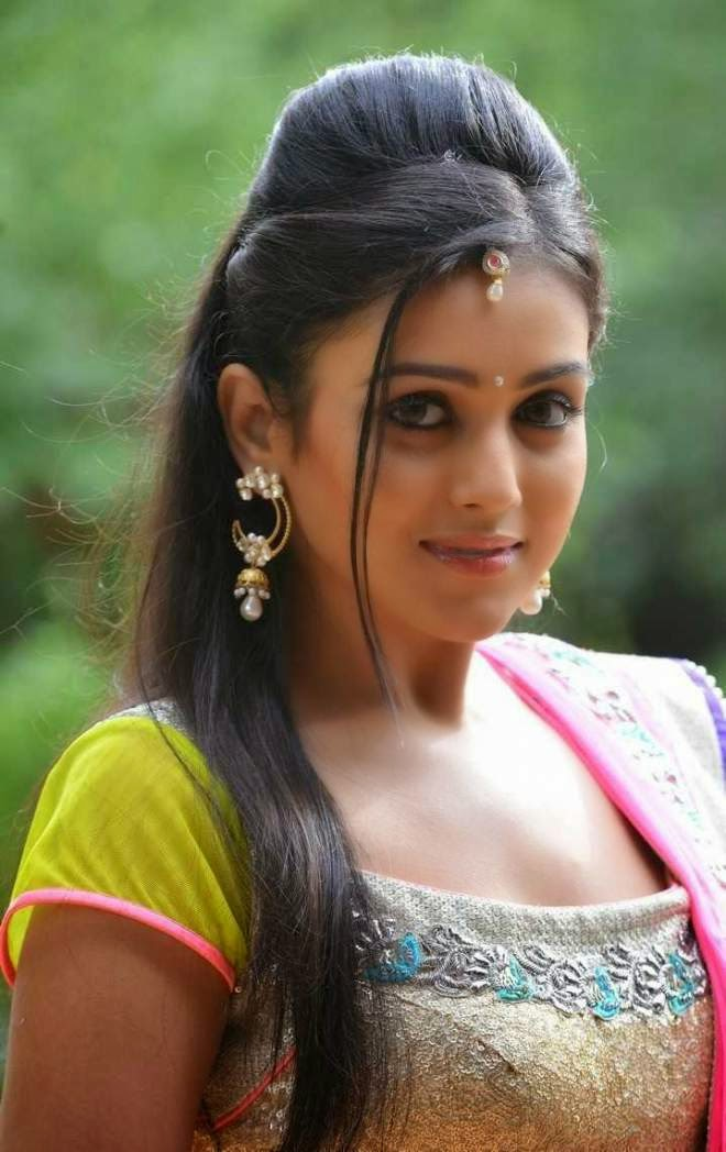 Mishti Chakraborty Beautiful Stills