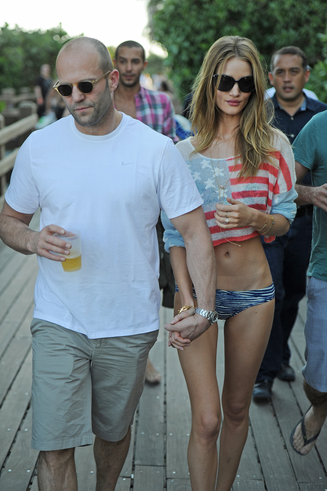 http://2.bp.blogspot.com/-jCVxaTMx7pc/TwXTV0Mb3zI/AAAAAAAAEu0/40MMaazCEDE/s1600/Rosie+Huntington-Whiteley+with+Jason+Statham+4.jpg