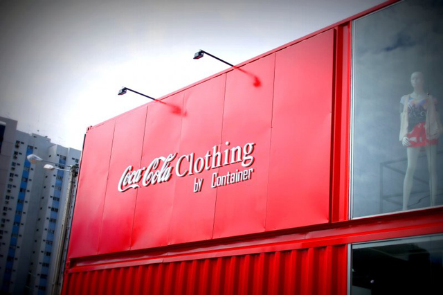 Loja da Coca-Cola usa contêiner reciclado