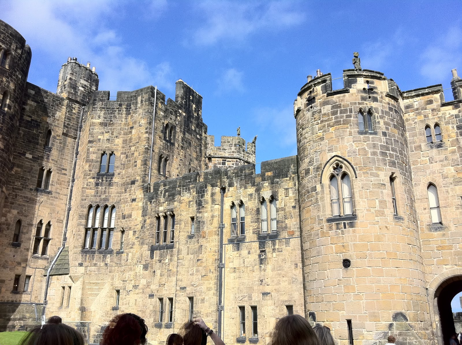 Floor to ceiling books a trip to alnwick castle the poison diaries the poison diaries id also like to thank the kdot team who worked tirelessly before and during the event to ensure that we had the very best time fandeluxe Epub
