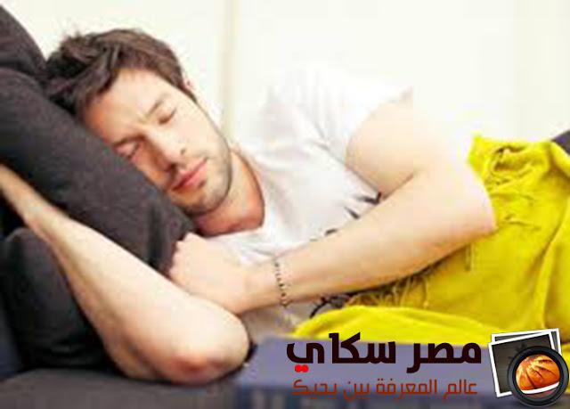 العلاقة بين قلة النوم والتوتر والقلق