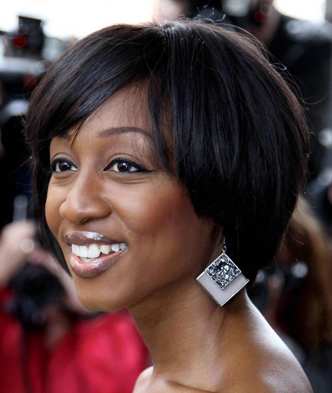 Hot Secrets: BEVERLEY KNIGHT SIGNED UP FOR MALAWI'S LAKE OF STARS