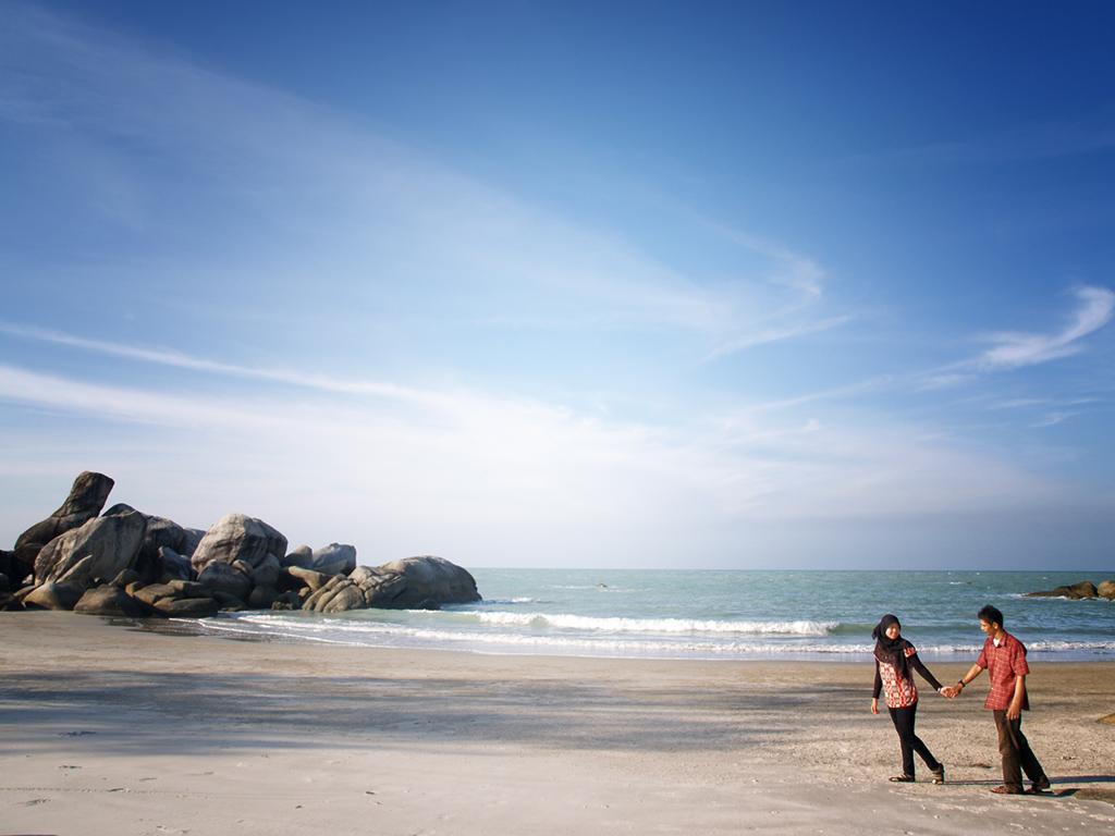 Jangan lupa, namanya aja Pantai Kenjeran. Kurang sreg rasanya kalo