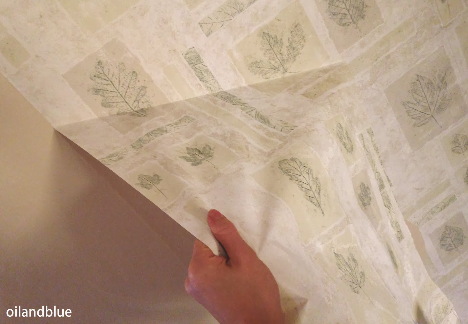 http://oilandblue.blogspot.com/2014/01/chemical-free-wallpaper-removal-how-to.html