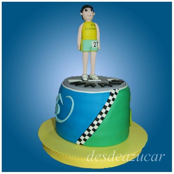 triatlon, tarta triatlon, tarta fondant de triatlon, figuras modeladas, tarta fondant Sevilla