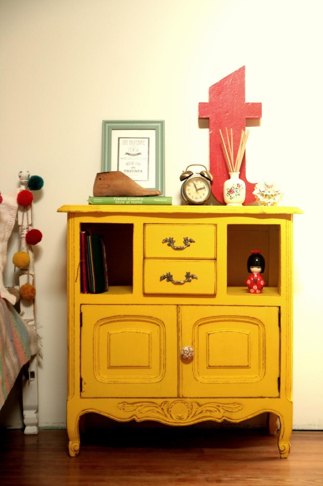 Color del d a amarillo nobles pensamientos - Muebles herencia ...