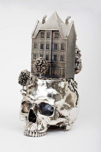 frodo mikkelsen esculturas caveiras crânios metal ouro prata paisagens