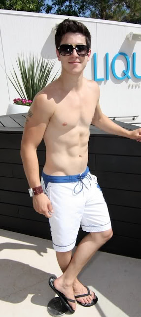 david-henrie-naked-body-black-mature