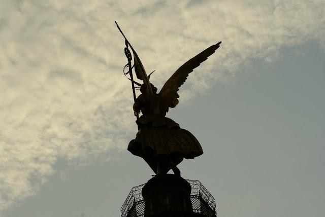 Siegessäule back berlin