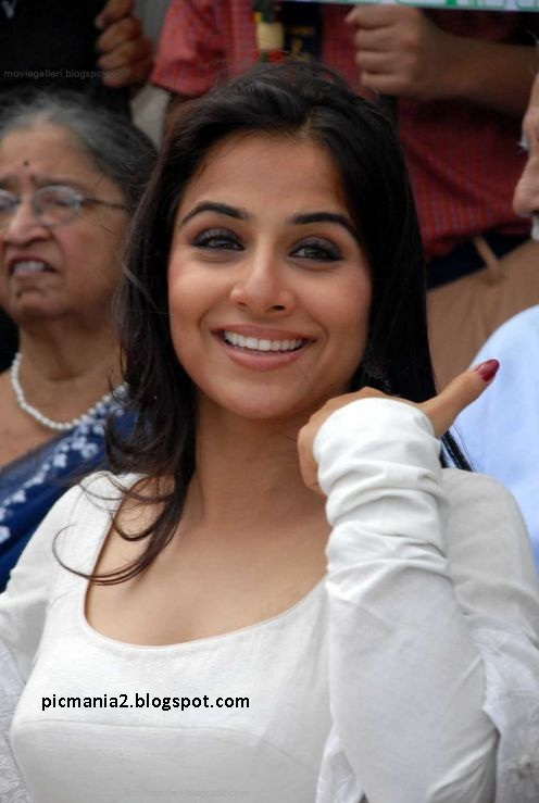 Exclusive stills of Vidya Balan hot