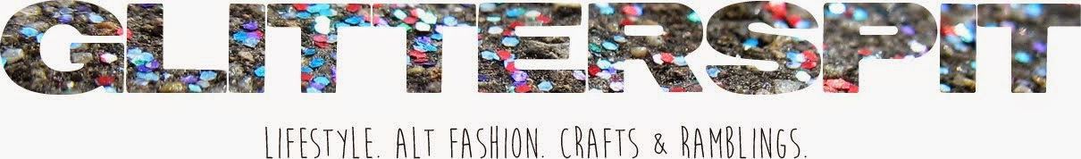 S C A R L E T P O U T ||  ALT FASHION. LIFESTYLE. CRAFTS.