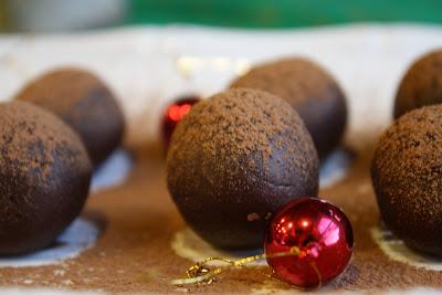 Chocolate Mint Truffles #vegan #paleo #chocolate #truffles #glutenfree