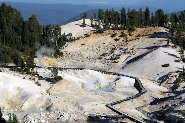 bumpass hell lassen volcanic national park