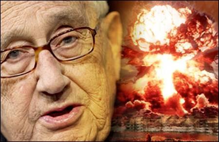 Resultado de imagen para kissinger y explosion nuclear