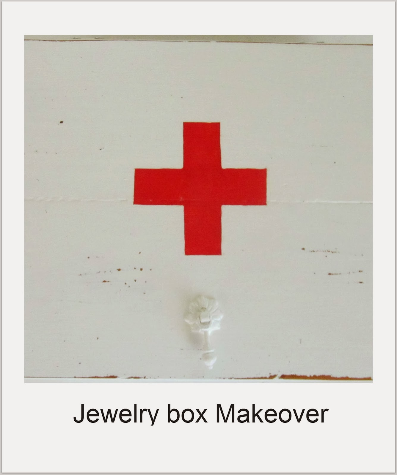 http://thewickerhouse.blogspot.com/2012/11/jewelry-box-makeover-in-case-you-miss-it.html