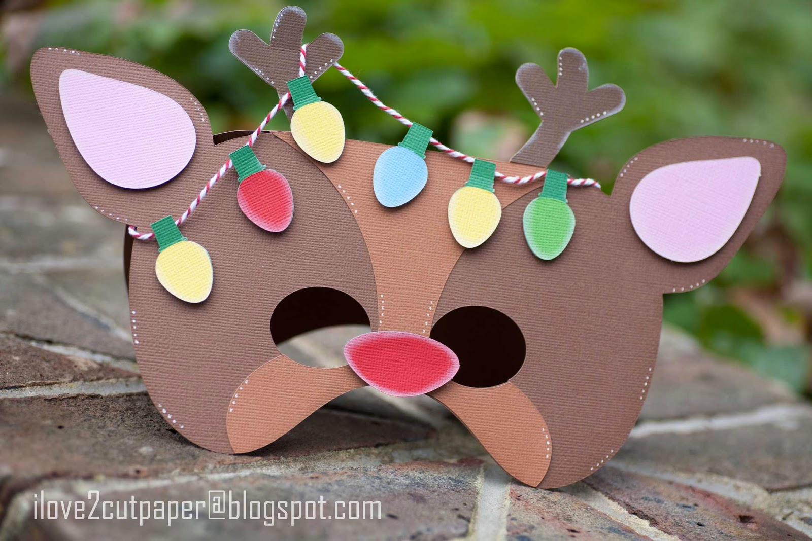Shaped Card - Mask - Reindeer
