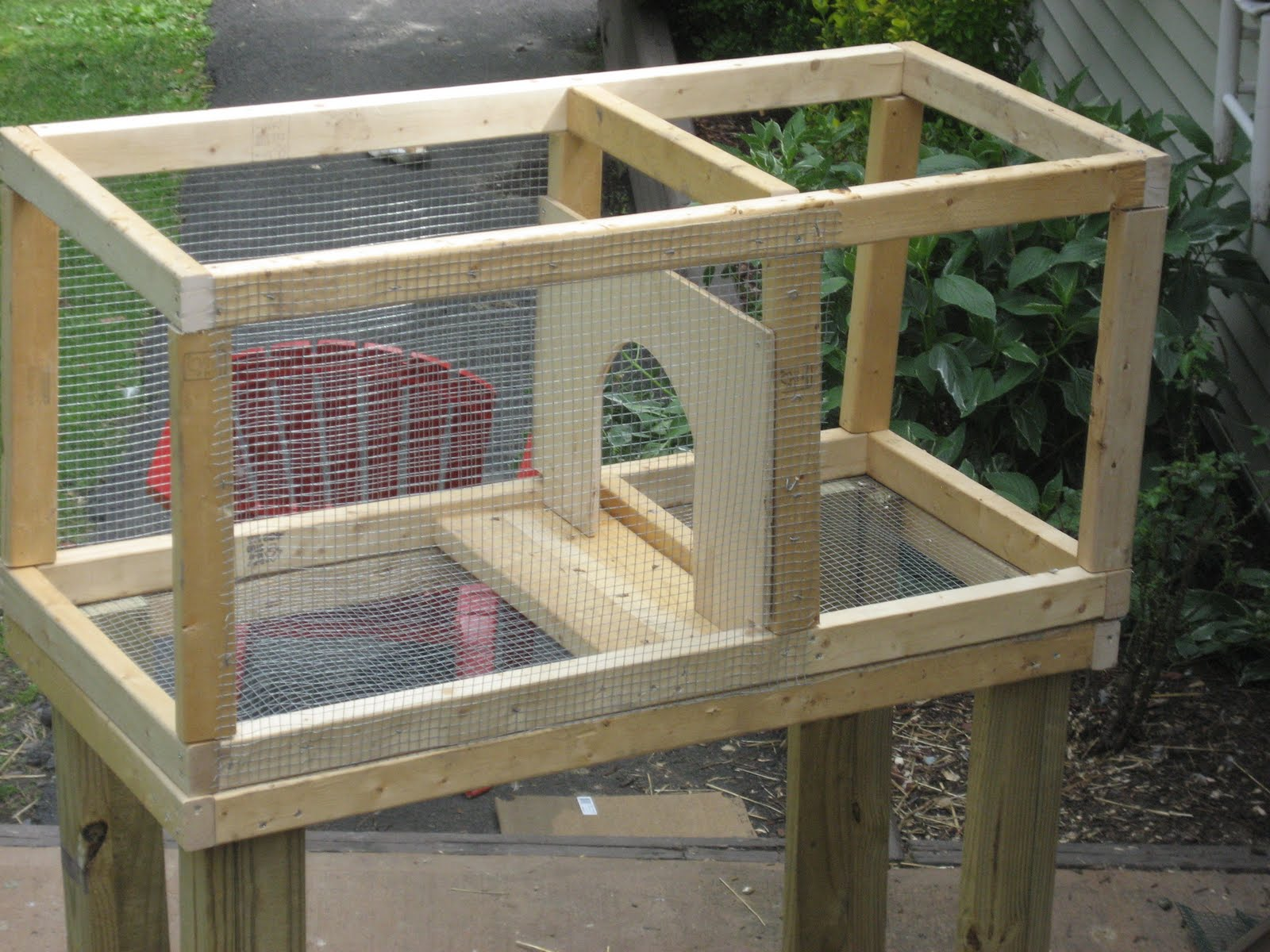 Chicken scratch busy busy busy for How to make a rabbit hutch from scratch