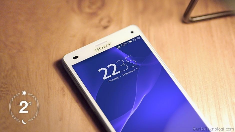 Sony Xperia Z3 Compact, Waterproof Smartphones Sailing 4.6 Inches with a rechargeable battery Lasting up to two days