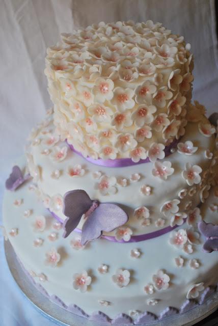 torta fiorita e benritrovate