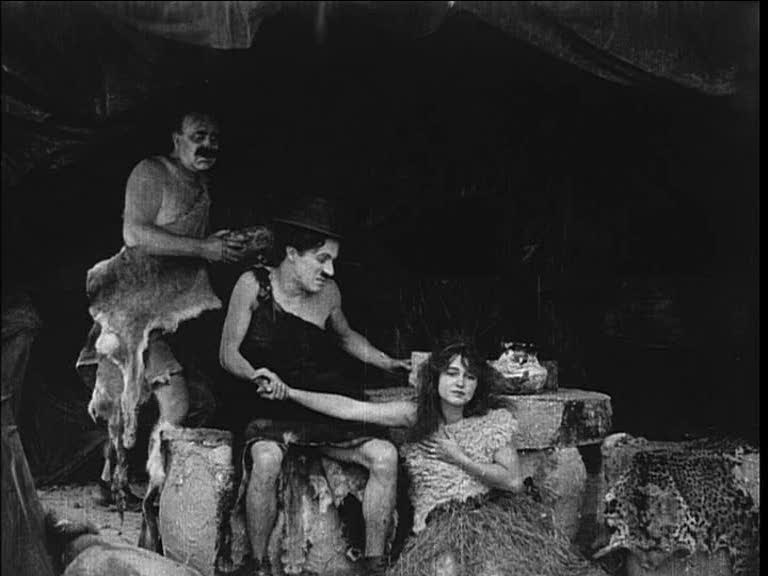 l'image de l'homme préhistorique - Page 4 His+Prehistoric+Past