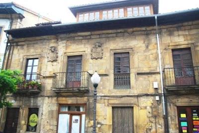 Villaviciosa, palacio de los Balbín de la Calle