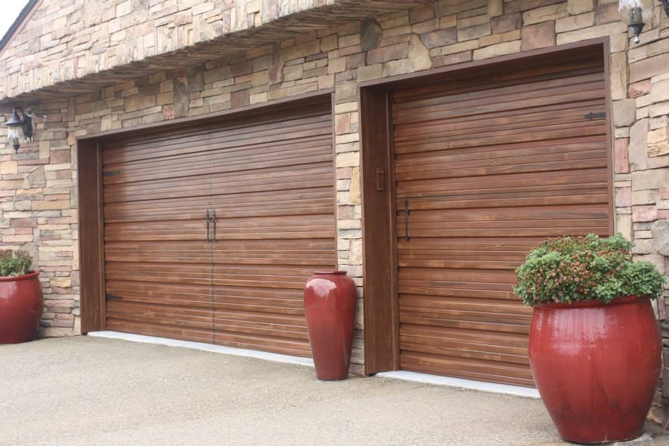 Faux painted garage doors life and linda for Faux painted garage doors