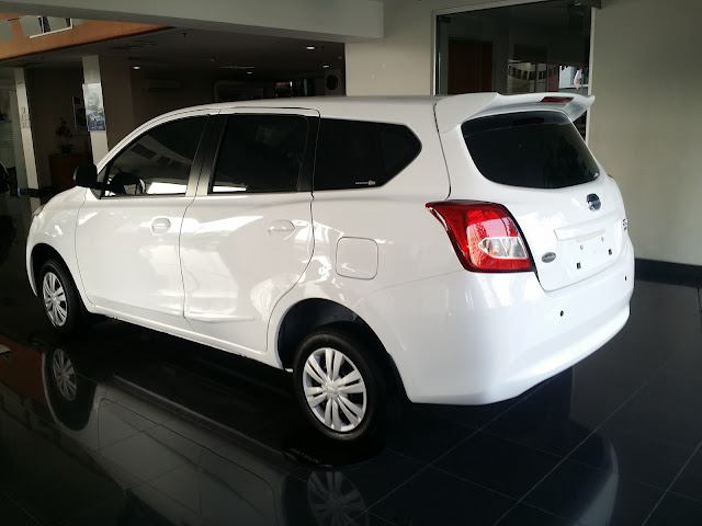 Tampilan Eksterior belakang Datsun GO+ T Option Airbag