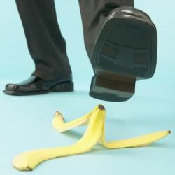 chaussure et peau de banane
