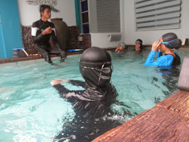 A - GROUP SWIMMING CLASS