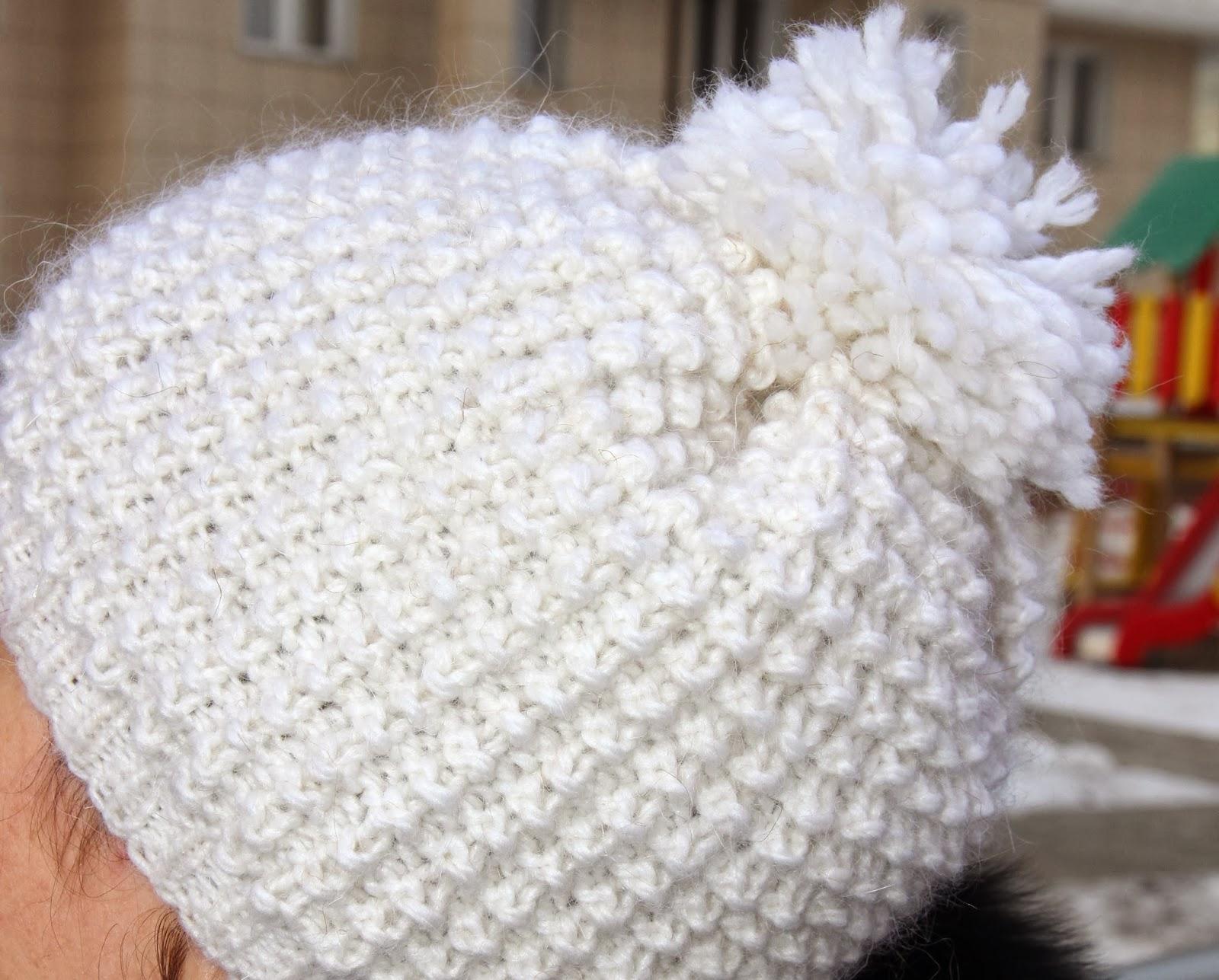 шапочка для зимы вязаная из шерсти