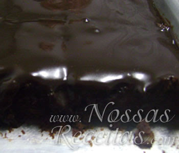 receita de brownie preparado com chocolate e nozes