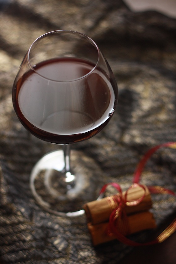 Mulled Red Wine by SeasonWithSpice.com