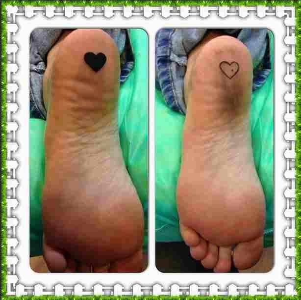 Cris Mortágua faz tatuagem na sola do pé
