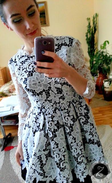 czarno-biala sukienka