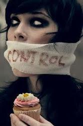Si quieres ser delgada contrólate y cierra la boca