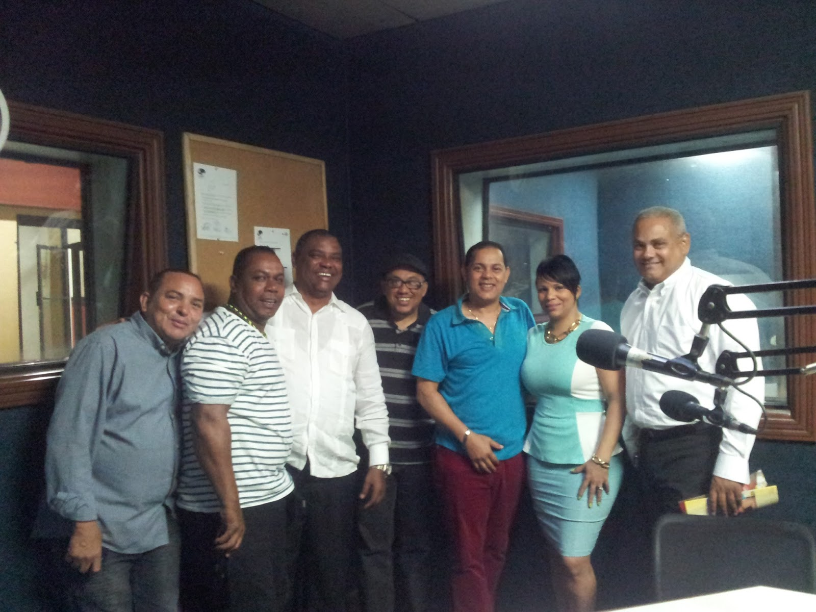 PARACONTARTE POR DOMINICANA 98.9 FM