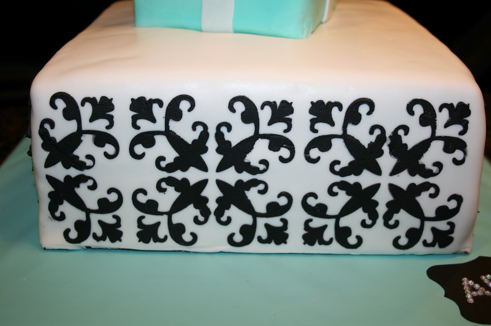 Design Your Own Cake Stencil : cutebugdesigns: Create your own cake stencil