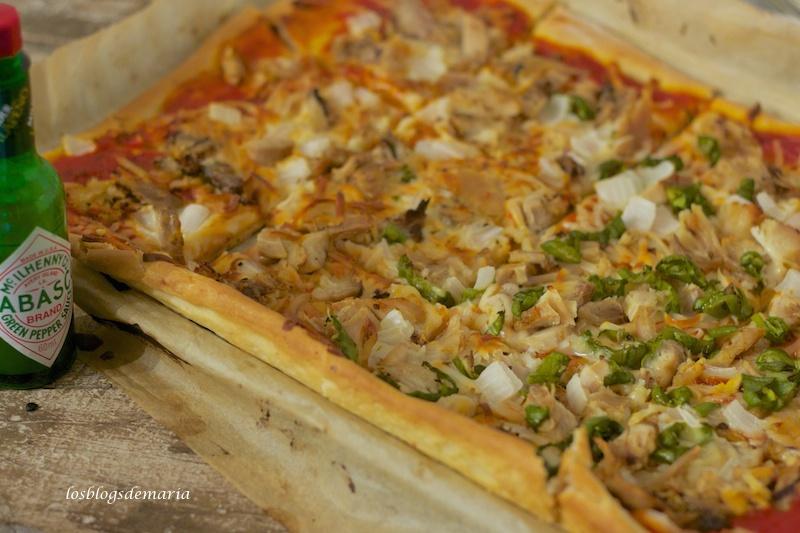 Pizza de pollo y tabasco