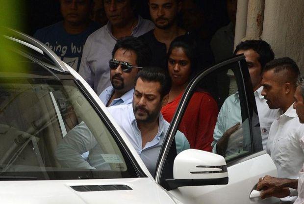 Hukuman Penjara Ke Atas Salman Khan Di Tangguh