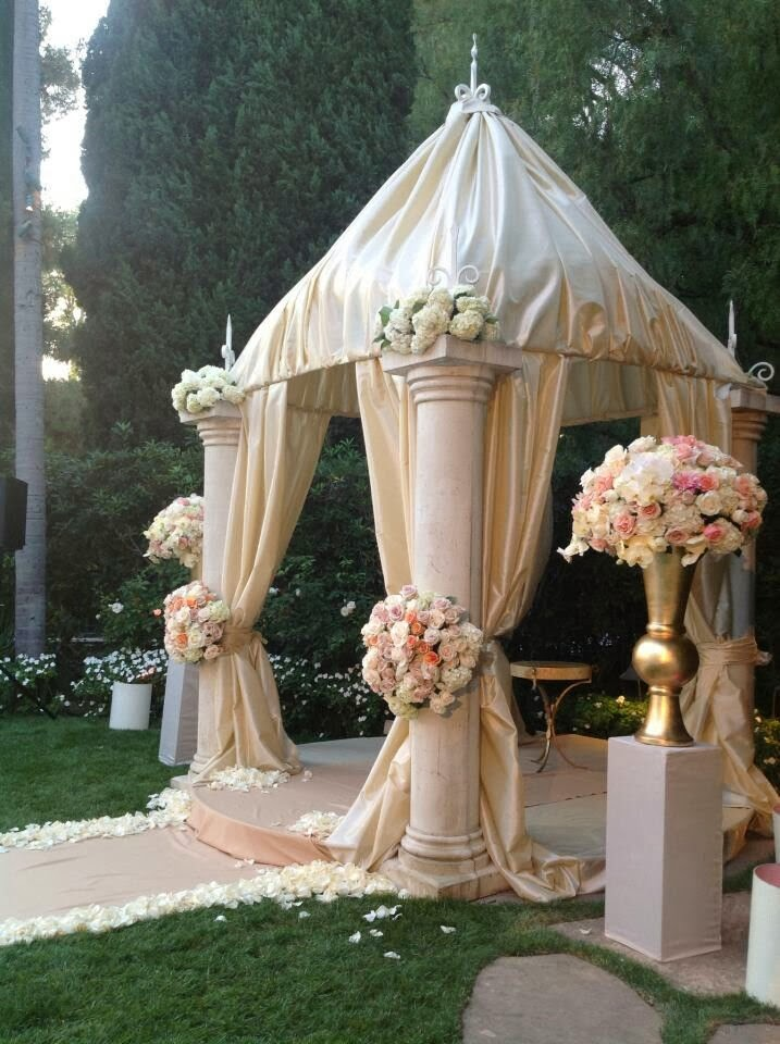 Memorable wedding wedding gazebos stress form and function for Outdoor wedding gazebo decorating ideas