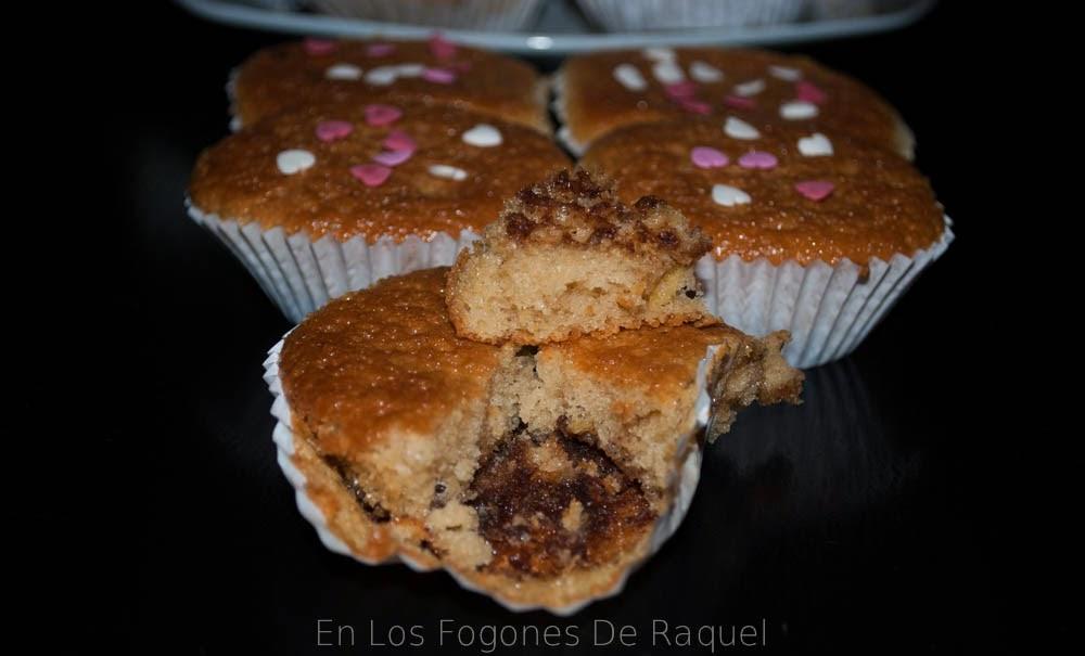 http://enlosfogonesderaquel.blogspot.com.es/2014/06/magdalenas-con-fondo-de-chocolate.html