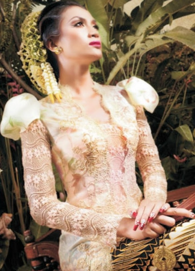 Foto Model Baju Kebaya Rancangan Ivan Gunawan