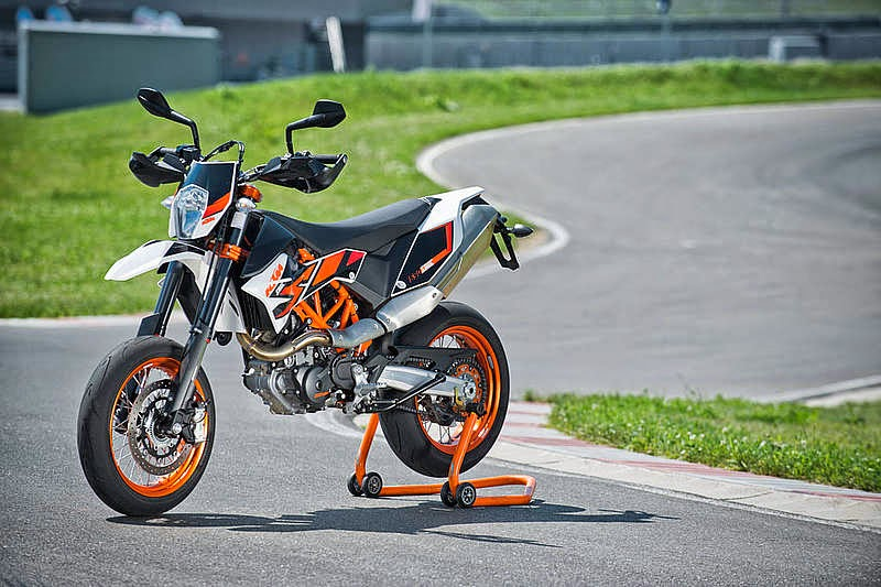 KTM 690 SMC R New Sports Bikes Gallery