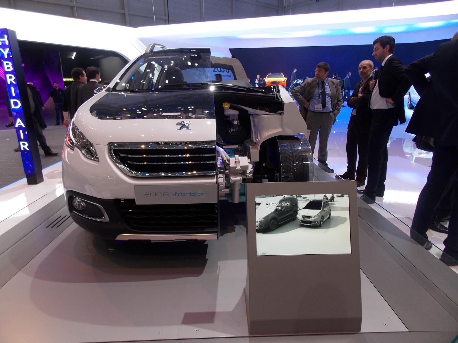 voiture du futur  retour sur la technologie hybrid air de psa  u00e0 gen u00e8ve
