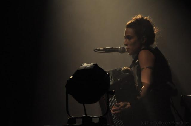 Yoanna en concert au Divan du Monde