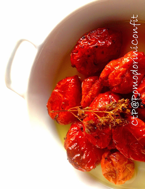 anticipiamo i regali di natale !!!  pomodorini confit sott'olio!!!
