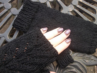 Black Autumnal Mitts