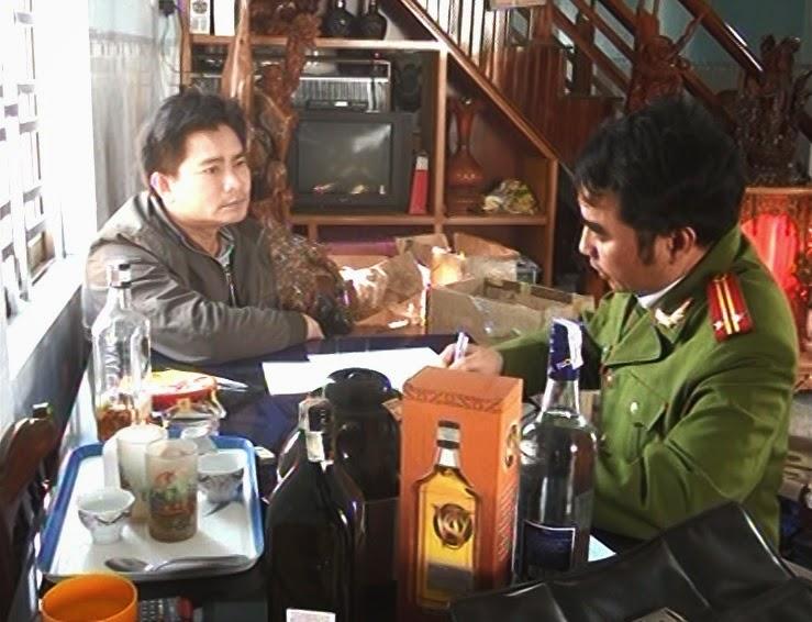 TP. Pleiku: Phát hiện cơ sở làm giả rượu ngoại